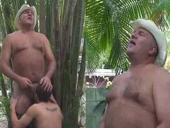 Cowboy daddy gets an oral pleasure outdoors