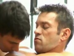 Sporty guys enjoy hot bareback fucking