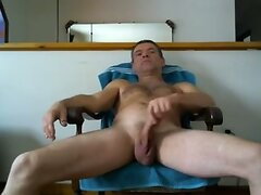 mike muters plays on cam.