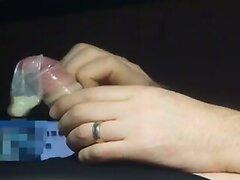 2. Abend - Wichsen in Nylons mit Kondom