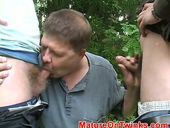 Gays love outdoor blowjobs a lot