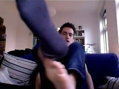 chatroulette straight male feet - pretty straight guy