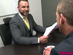 British muscular stud sucks off his boss