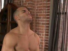 Muscle Threeway - Double Penetration
