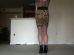 SEXY PETITE CROSSDRESSER IN GIRLS OUTFIT 3