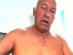 Hugo Sanchez sexy daddy