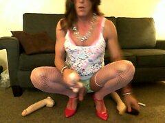 Crossdresser Lisa fucking her new dildo