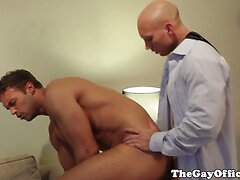 Office hunk fucks employees tight ass