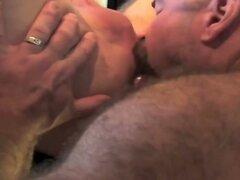 Very hot bears bareback.