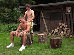 Outdoor bareback fuck - Arny and Paul