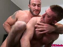 Pornstar Scott Hunter assfucked by Spencer
