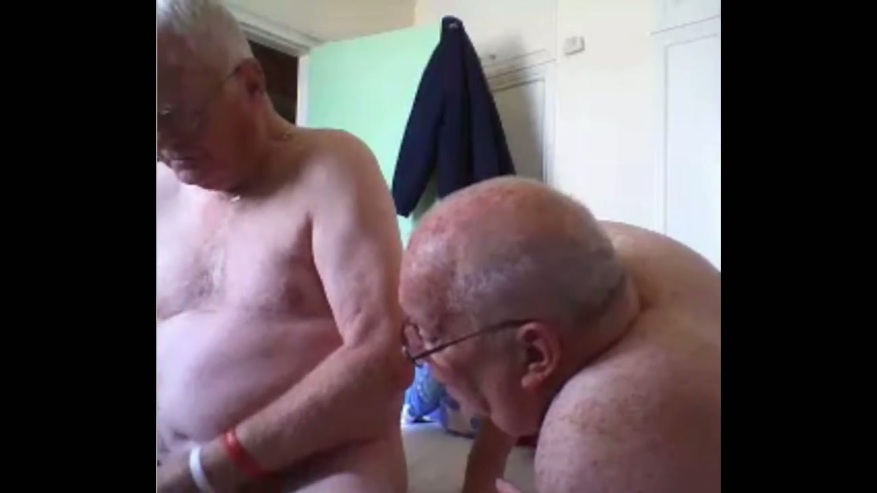 Old grandpa is a real pervert