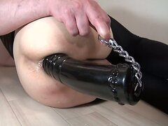 Magnum-08-d  The hole after 60mm dildo insert