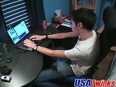 Jack off buddies Niki and Andy having a hot fuck on webcam