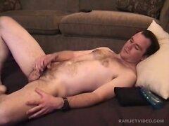 Amateur Straight Boy Paul Beats Off  scene 2