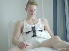 Blond Twink Carter Karlsson Jacking Off