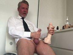 Horny again talkning to you all. Snackar svenska med er!