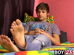 Cute teen brunette twink polishing his pole for you