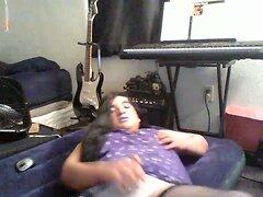 Chubby crossdresser plays with herself