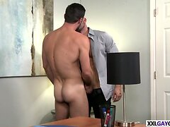 Studs big dick hurts his ass