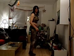 sandralein33 in long black hairs and sunglasses dancing