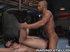 RagingStallion Muscular Sean Zevran Slams Mechanic