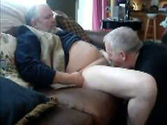 Daddy bear blows her boyfriend